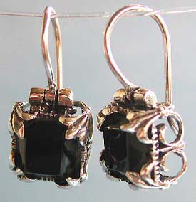 Wholesale gem jewelry, sterling silver hook earring with flower decor red garnet stone inlaid